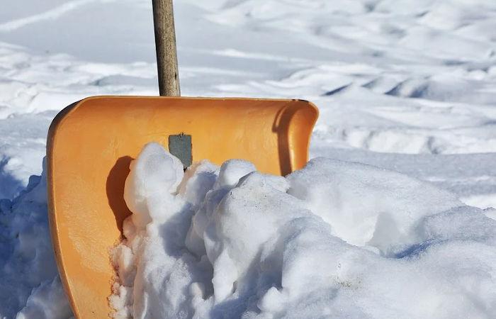 Mit unserem Winterdienst sorgen wir für freie Straßen